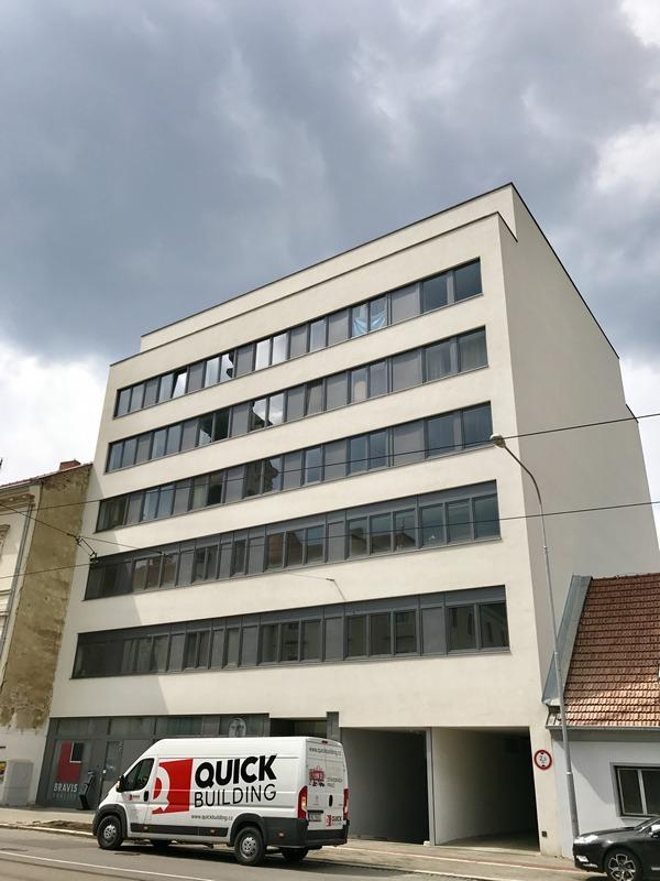 Polyfunkční dům na ulici Vídeňská